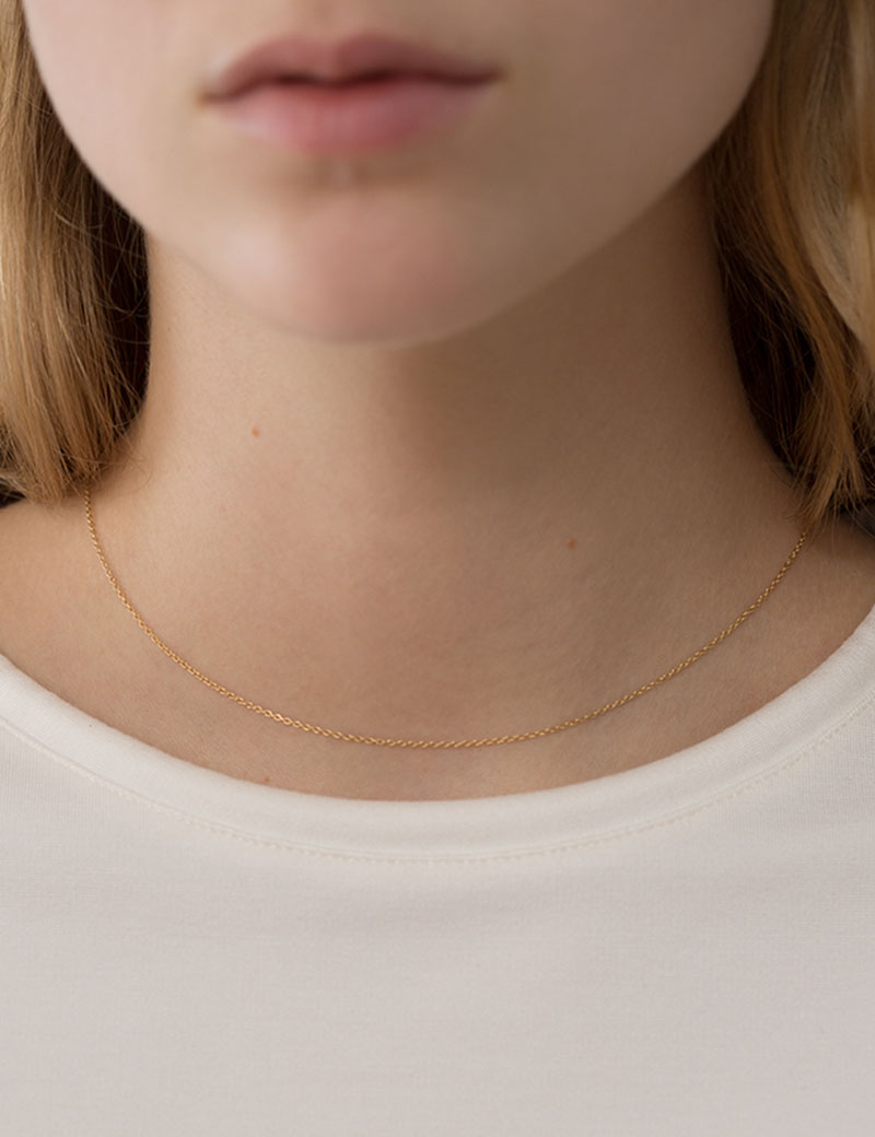 Kathleen Whitaker Chain Necklace on model 2