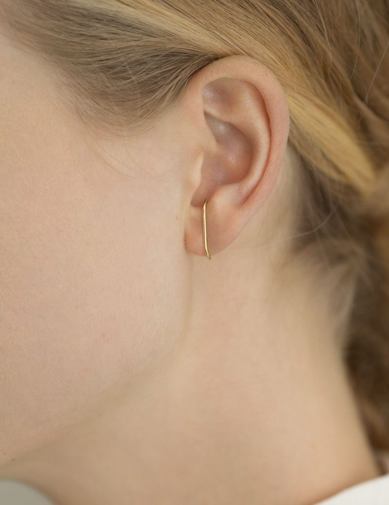 Kathleen Whitaker Medium Stitch Stud in gold