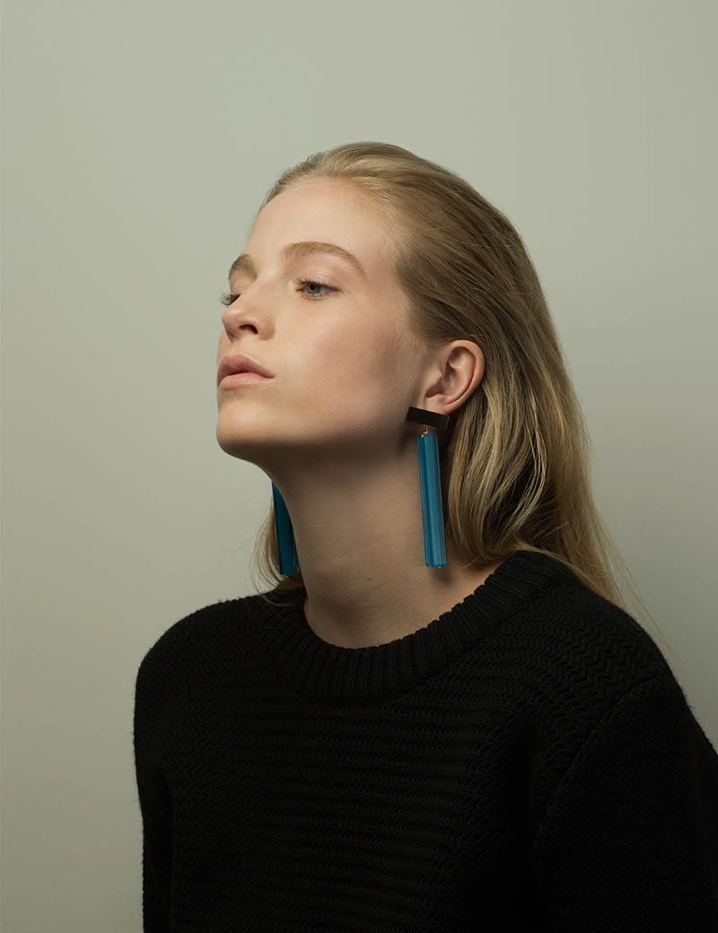 Kathleen Whitaker Vintage Blue Venetian Glass earrings on model 2