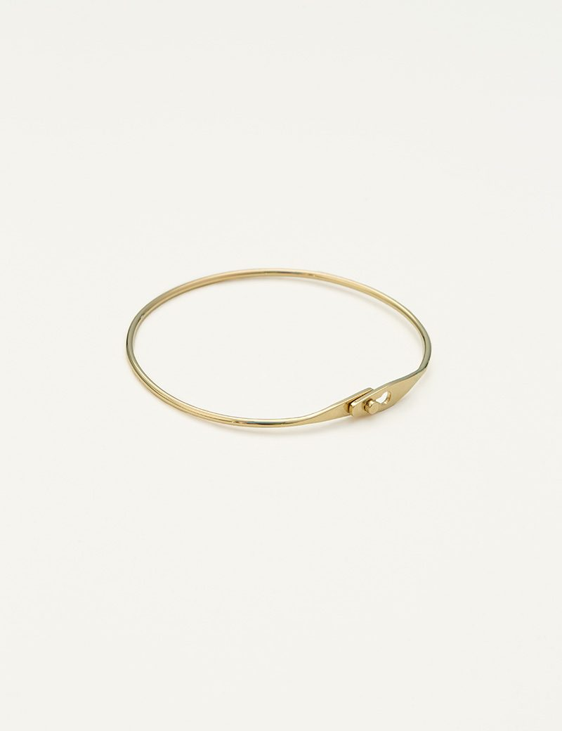 Kathleen Whitaker Catch Bangle closed